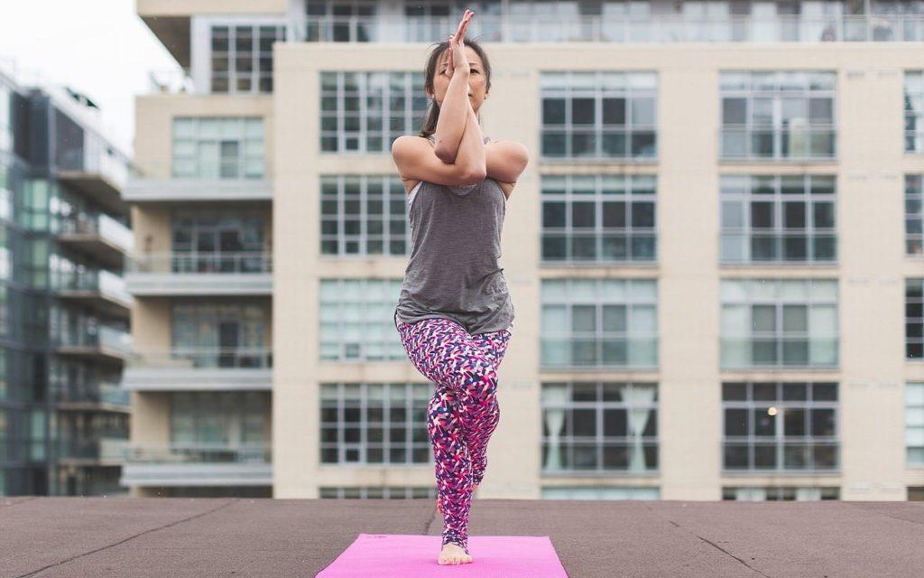йога для начинающих асана 1