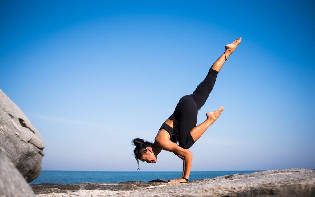 йога для начинающих стойка