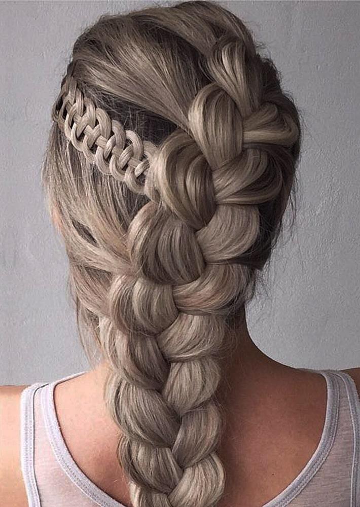 красивые прически большая коса