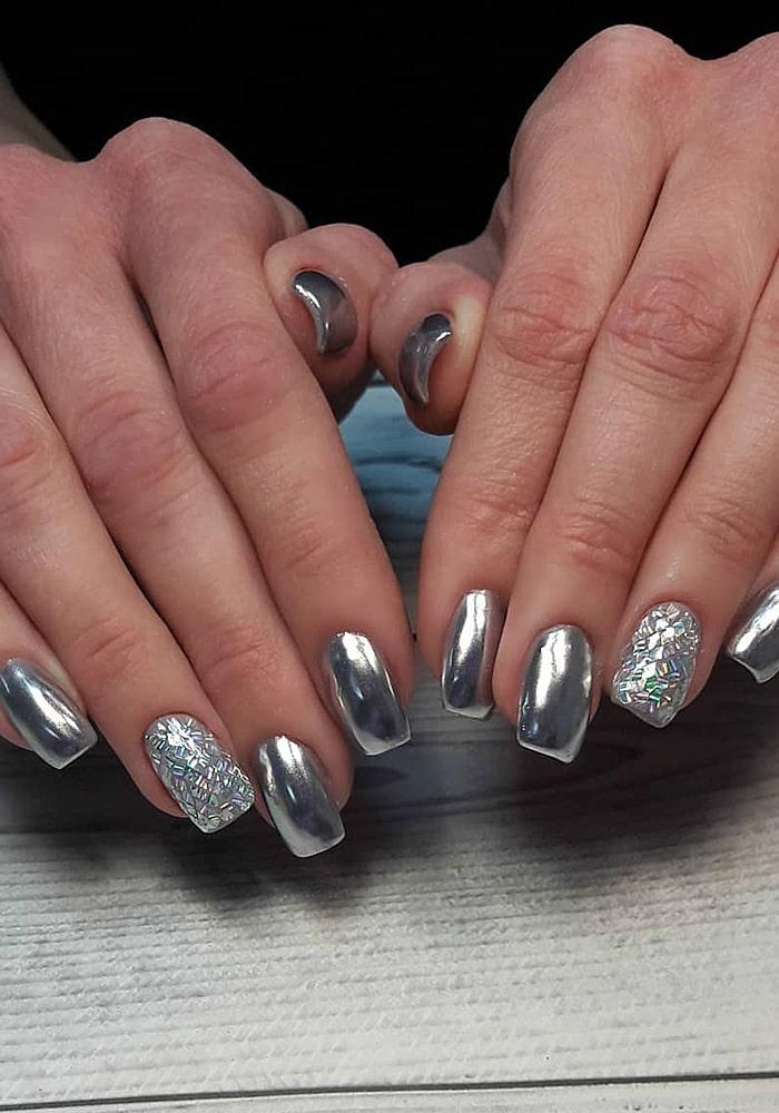 маникюр с втиркой серебро