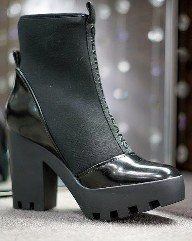 модная обувь ботинки лак резина