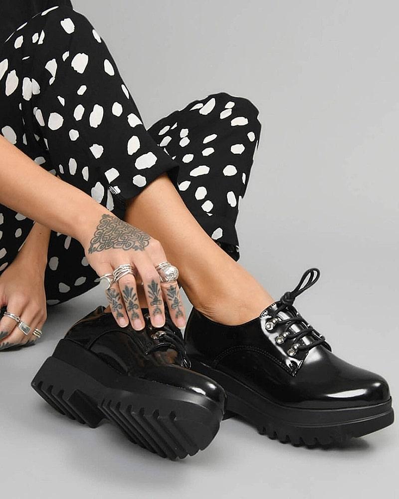модная обувь туфли лаковые