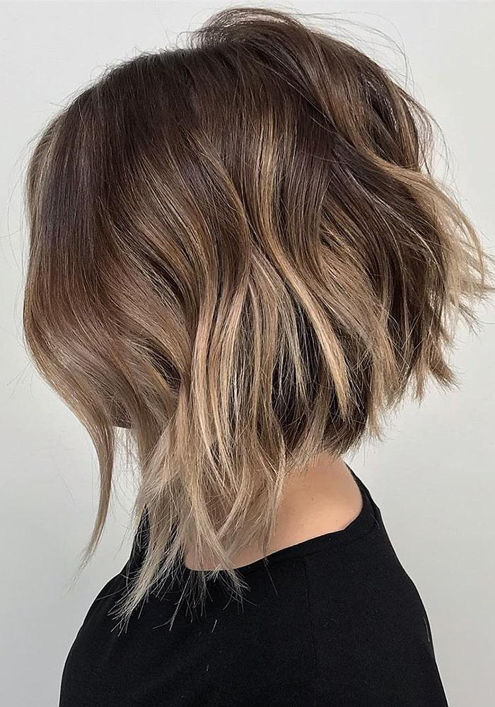 стрижки на средние волосы боб каре вьющиеся i