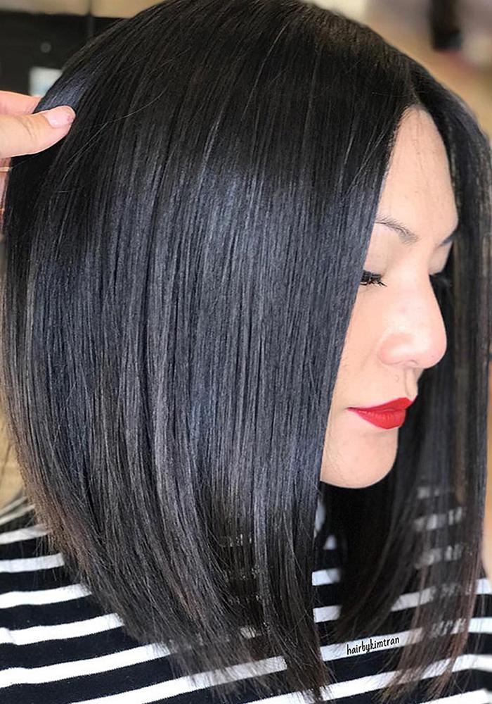 стрижки на средние волосы брюнетка каре