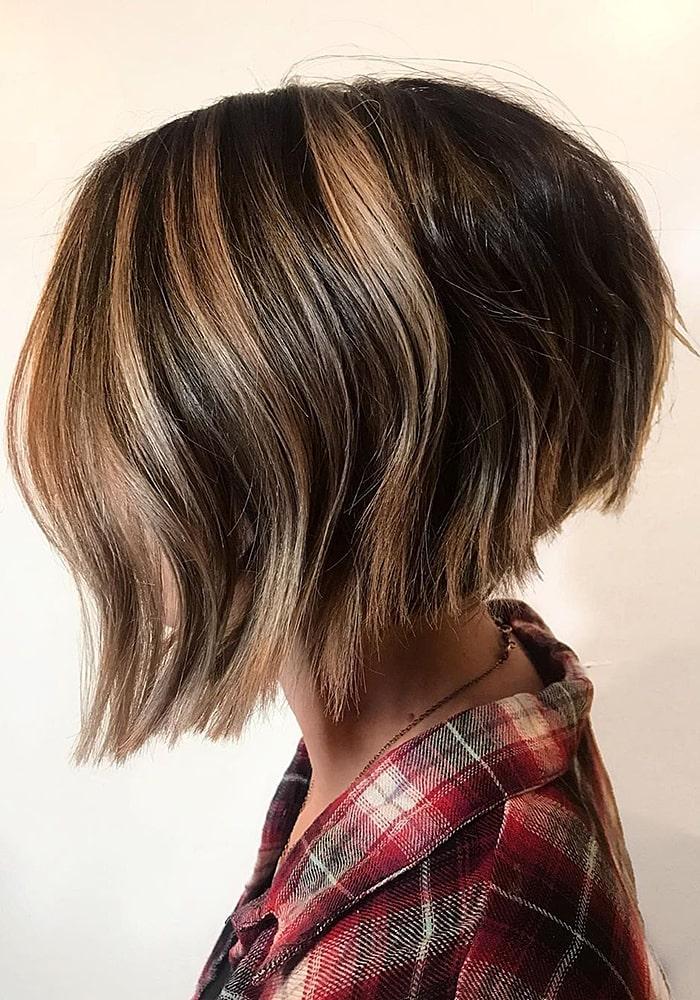 стрижки на средние волосы шатенка локоны