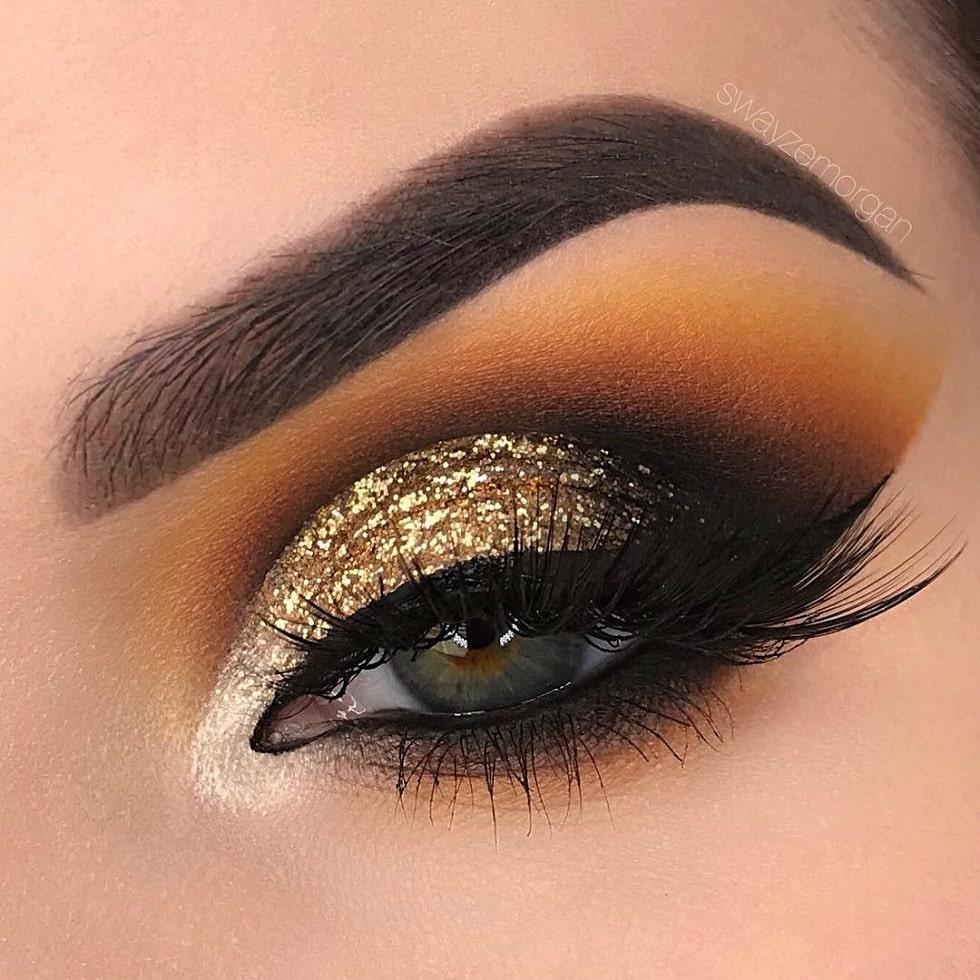 макияж глаз золотой блестки