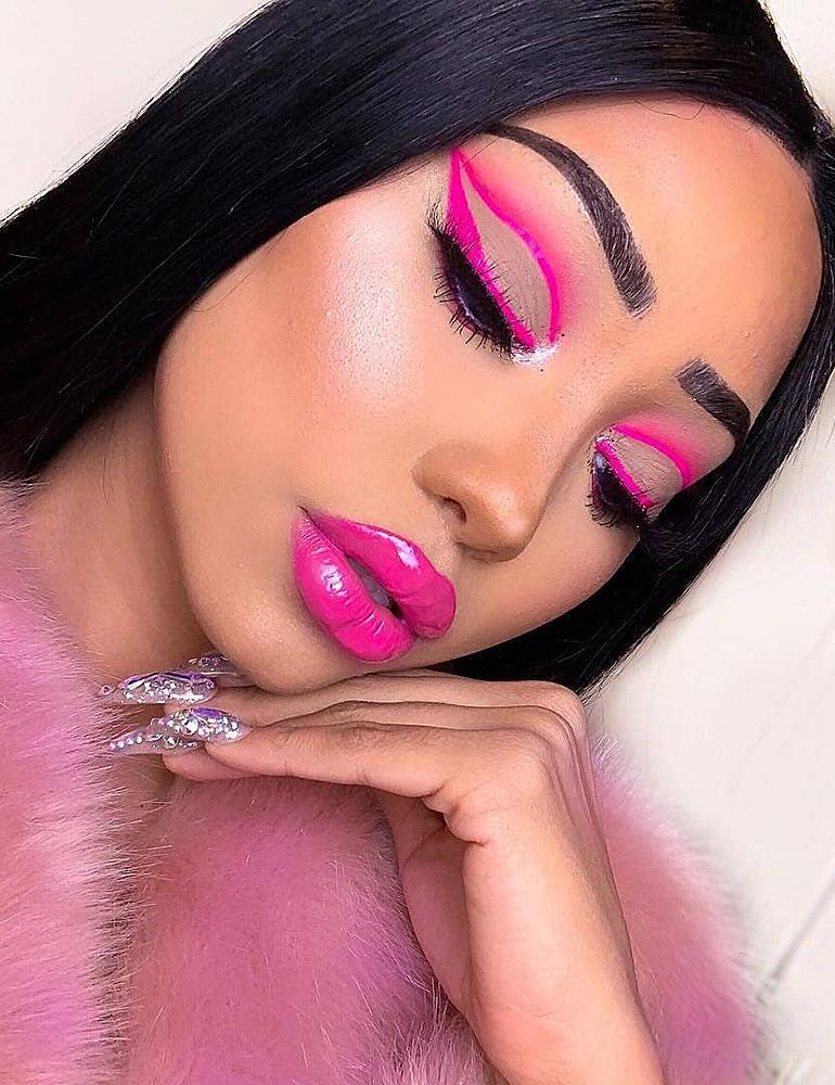 грим на хэллоуин стильный макияж в неоновом розовом
