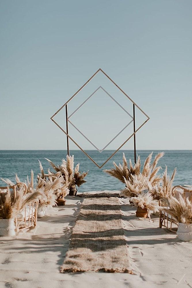 декор свадьбы пампасная трава свадебная арка