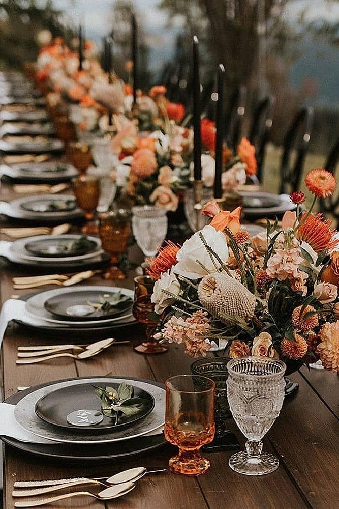 декор свадьбы темные насыщенные тона декор стола