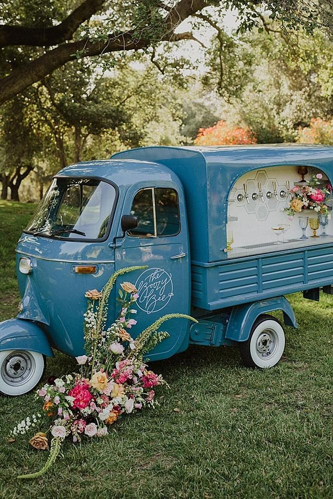 декор свадьбы фургончик бар