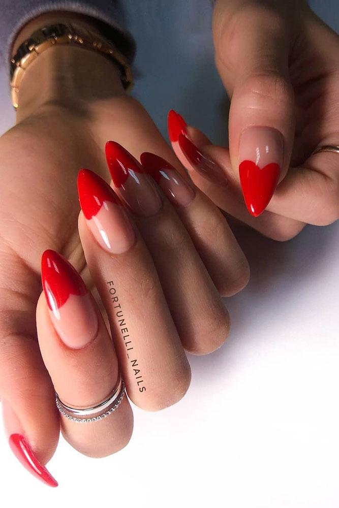 маникюр день святого валентина красные сердечки длинные ногти