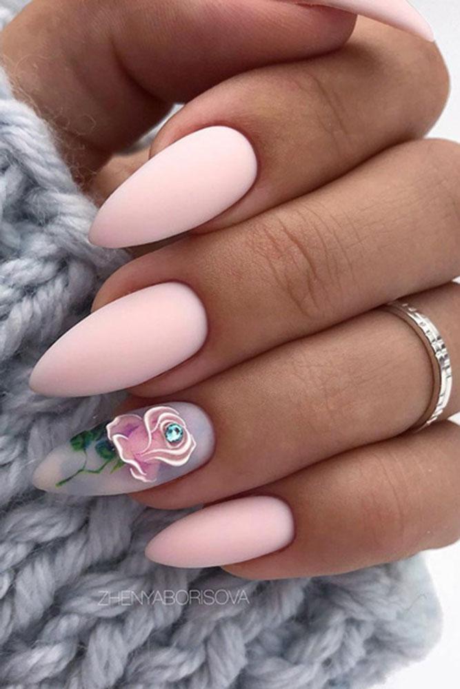 маникюр день святого валентина розы