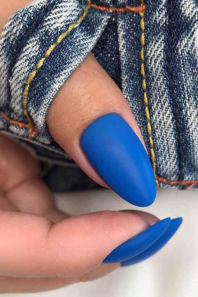 модный маникюр синий матовый