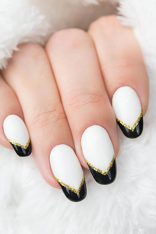 модный маникюр френч белый черный