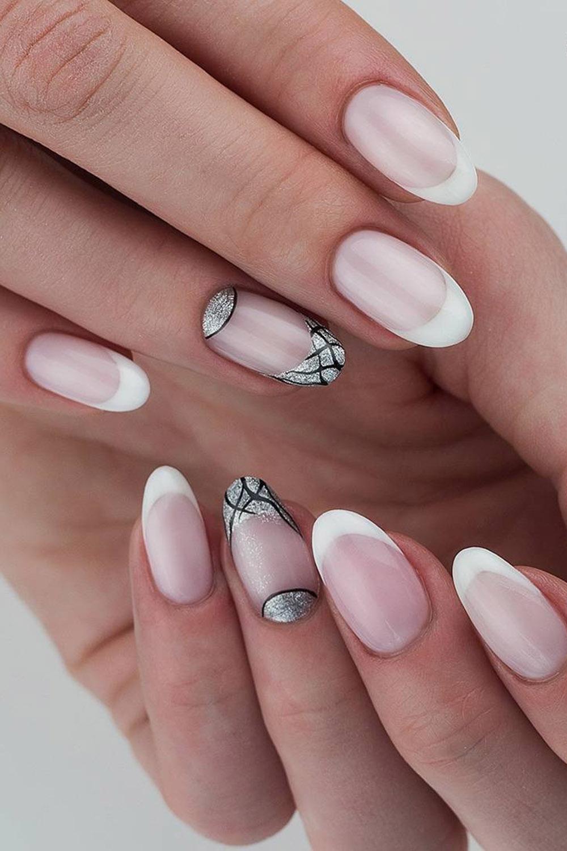 модный маникюр френч серебро